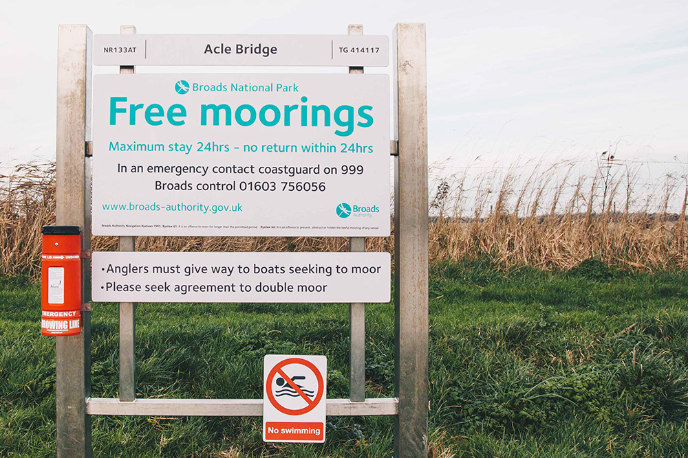 mooring sign acle bridge