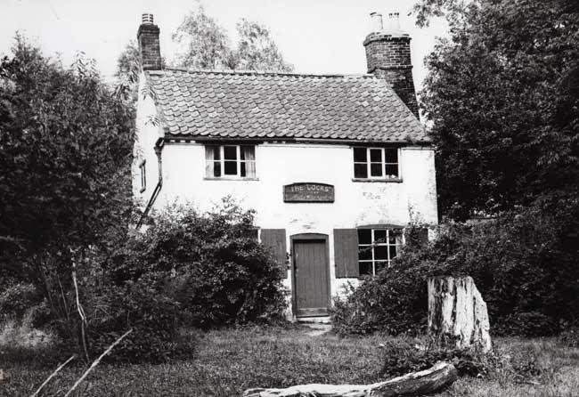 Old photo of The Locks Inn