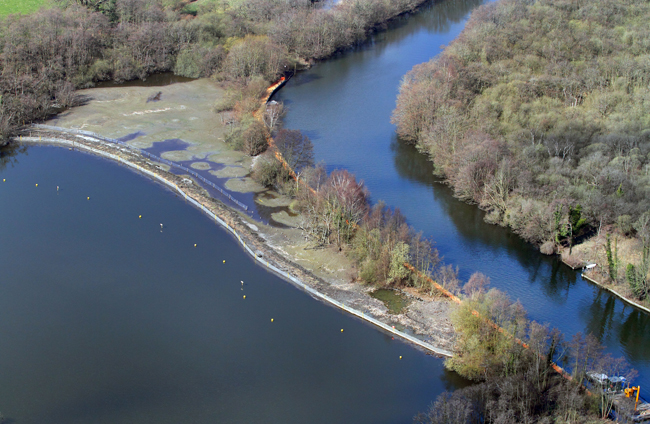 Restoration of an eroded reed bed at Salhouse Broad