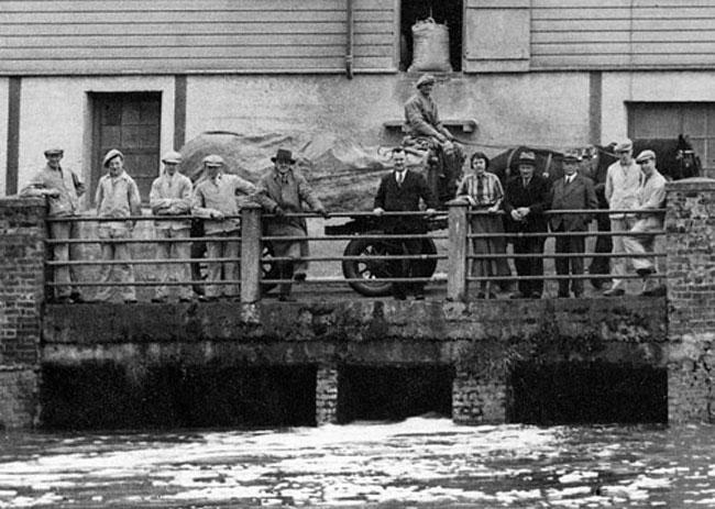 Ellingham Mill and staff 1935