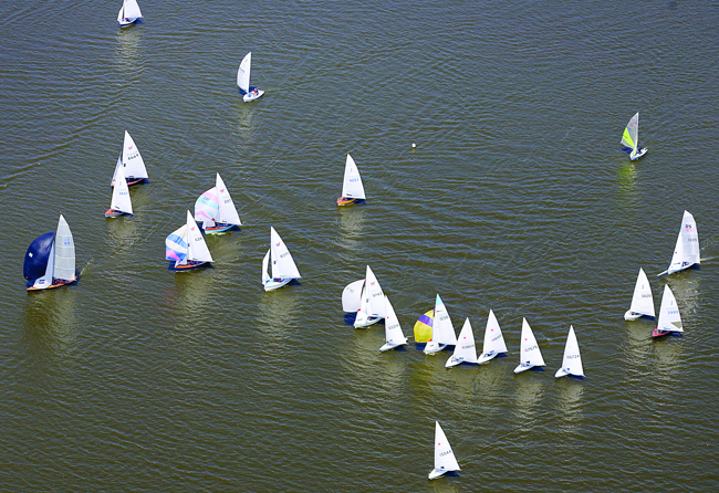 Boats racing on Hickling