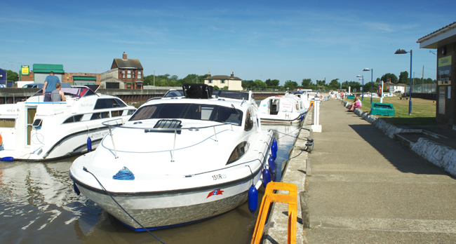 Gt Yarmouth Yacht Station